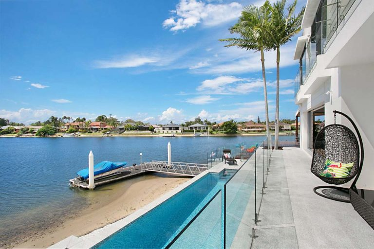 Gold Coast waterfront home builders