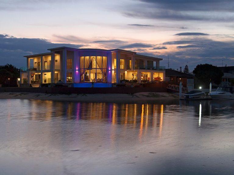 Modern Waterfront Home Designs